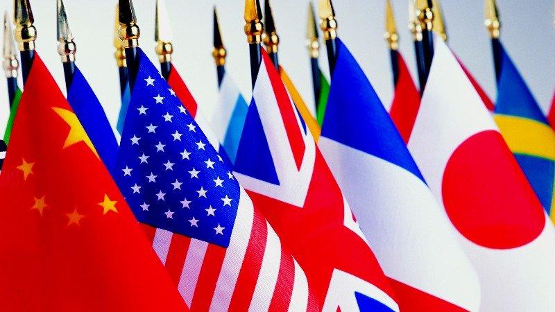 Эмиграция из России и жизнь за границей