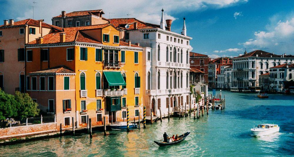 работа на итальянских курортах в туризме летом и зимой