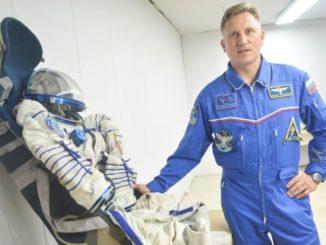 сколько зарабатывает космонавт